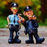 בדיחות על שוטרים